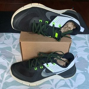 Metcon flywire shoes